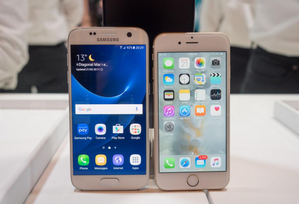 iPhone SE vs Galaxy S7 Mini